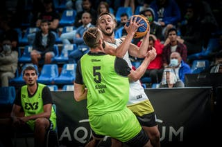 5 Kevin Corre (KSA) - 4 Marko Brankovic (SRB)