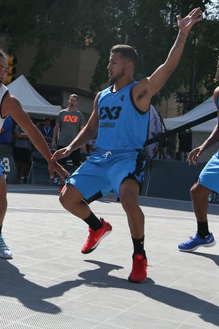 4 Tjader Fernandez (PUR) - 4 Michael Linklater (CAN) - Saskatoon vs Gurabo in the FIBA 3x3 World Tour Saskatoon 2017 semi finals