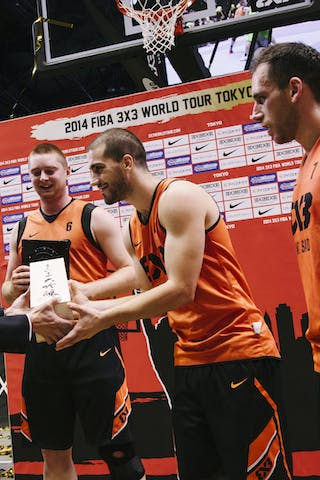 Team Novi Sad receives an award, FIBA 3x3 World Tour Tokyo Final 2014, 11-12 october