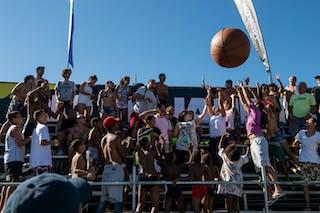Fans Big Ball 2013 FIBA 3x3 World Tour Rio de Janeiro
