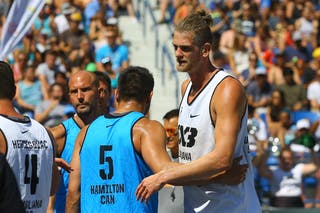 7 Blaz Cresnar (SLO) - 5 Vadim Halimov (CAN) - Ljubljana vs Hamilton in the FIBA 3x3 World Tour Saskatoon 2017 semi final