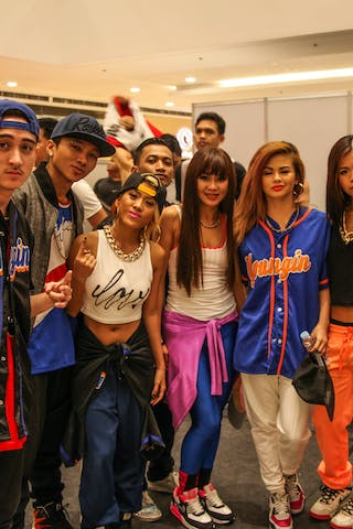 Dance crew, 2014. World Tour Manila, 3x3game, 20. July.