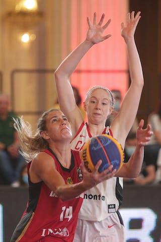 8 Catherine Traer (CAN) - 14 Sonja Greinacher (GER)