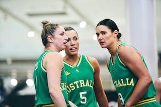 5 Maddie Garrick (AUS) - 4 Bec Cole (AUS) - 8 Alice Kunek (AUS) - Game1_Pool B_Japan vs Australia