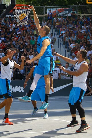 4 Jasmin Hercegovac (SLO) - 5 Michael Lieffers (CAN) - Ljublijana vs Saskatoon in the FIBA 3x3 World Tour Saskatoon 2017 final