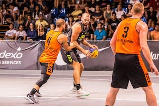 4 Dusan Bulut (UAE) - 3 Marko Savić (UAE)