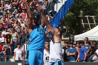 5 Michael Lieffers (CAN) - 6 Xavier Zambrana (PUR) - Saskatoon vs Gurabo in the FIBA 3x3 World Tour Saskatoon 2017 semi final