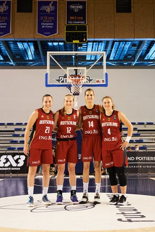 21 Svenja Brunckhorst (GER) - 14 Sonja Greinacher (GER) - 12 Katharina Müller (GER) - 4 Luana Rodefeld (GER)
