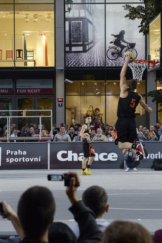 Dunk Contest. 2014 World Tour Prague.