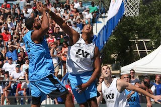 5 Angel Matias (PUR) - 6 Nolan Brudehl (CAN) - 6 Xavier Zambrana (PUR) - Saskatoon vs Gurabo in the FIBA 3x3 World Tour Saskatoon 2017 semi final