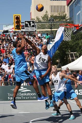 5 Angel Matias (PUR) - 6 Nolan Brudehl (CAN) - 6 Xavier Zambrana (PUR) - Saskatoon vs Gurabo in the FIBA 3x3 World Tour Saskatoon 2017 semi final