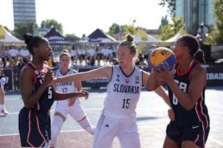 5 Jordan Airess Reynolds (USA) - 15 Monika Krajcovicova (SVK) - 6 N'dea Elyse Jones (USA)
