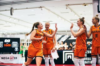 18 Fleur Kuijt (NED) - 11 Jill Bettonvil (NED) - 9 Esther Fokke (NED) - 3 Loyce Bettonvil (NED) - Game5_Final_Netherlands vs Australia