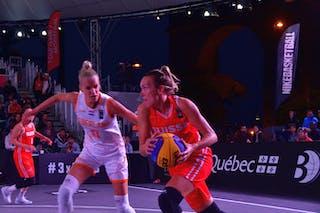 9 Marielle Giroud (SUI) - 11 Jill Bettonvil (NED)