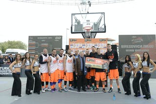 Brezovica (Slovenia) and Novi Sad (Serbia) with cheerleaders at the 2013 FIBA 3x3 World Tour final in Istanbul