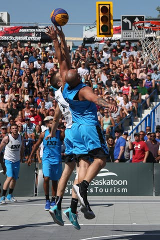 6 Xavier Zambrana (PUR) - 3 Steve Sir (CAN) - Saskatoon vs Gurabo in the FIBA 3x3 World Tour Saskatoon 2017 semi final