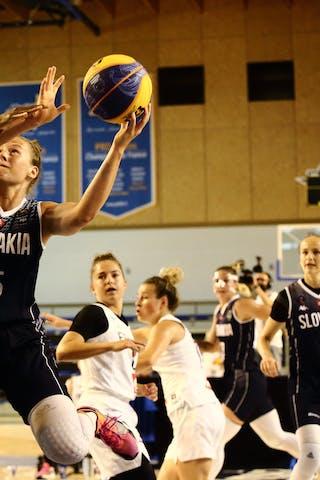 30 Victoria Majekodunmi (FRA) - 15 Monika Krajcovicova (SVK)
