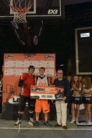 Dunk contest winner with check and hockey player 2013 FIBA 3x3 World Tour Masters in Lausanne