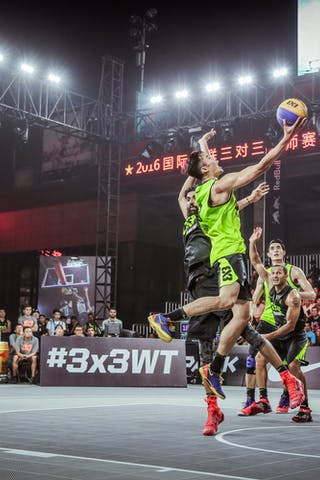 6 Bikramjit Gill (JPN) - 3 Peng Sun (CHN) - Hamamatsu v Wukesong, 2016 WT Beijing, Pool, 16 September 2016