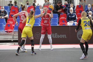 21 Sylwia Bujniak (POL)