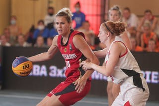 7 Paige Crozon (CAN) - 14 Sonja Greinacher (GER)