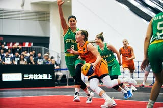 8 Alice Kunek (AUS) - 18 Fleur Kuijt (NED) - Game5_Final_Netherlands vs Australia
