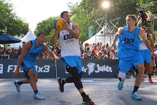 4 Jasmin Hercegovac (SLO) - 5 Michael Lieffers (CAN) - 4 Michael Linklater (CAN) - Ljublijana vs Saskatoon in the FIBA 3x3 World Tour Saskatoon 2017 final