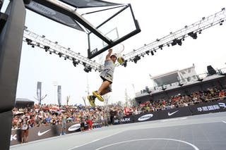 Player dunking, dunk contest, 2014 World Tour Beijing, 3x3game, 2-3 August.