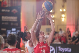 33 Janis Boonstra (NED) - 13 Simone Sill (AUT)