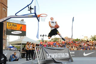 "Emil Olszewski, aka ""Slash"" is the 3x3 Samsung Dunk Contest winner."