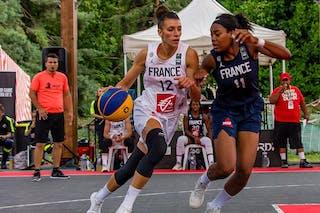 11 Myriam Djekoundade (FRA) - 12 Laetitia Guapo (FRA)