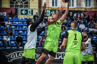2 Marcel Esonwune (USA) - 1 Bogdan Dragovic (SRB) - 7 Nikola Vukovic (SRB)