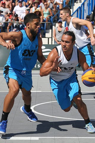 3 Jorge Matos (PUR) - 4 Michael Linklater (CAN) - Saskatoon vs Gurabo in the FIBA 3x3 World Tour Saskatoon 2017 semi final