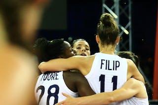 28 Migna Touré (FRA) - 11 Ana Maria Filip (FRA) - 12 Laetitia Guapo (FRA) - 5 Marie-eve Paget (FRA)