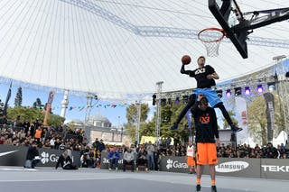 Dunking over Blaz Creznar (2m14) Dunk contest at the 2013 FIBA 3x3 World Tour final in Istanbul