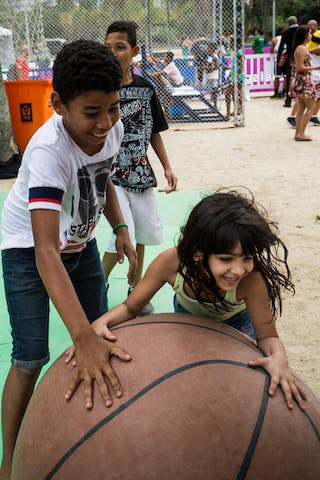 Entertainment, kids playing, FIBA 3x3 World Tour Rio de Janeiro 2014, Day 2, 28. September.