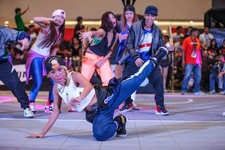 Dance crew, 2014. World Tour Manila, 3x3game, 20. July.