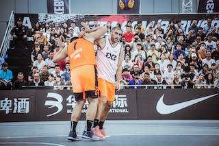 4 Marko Zdero (UAE) - 7 Liu Yongjie (CHN)