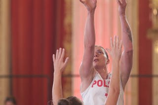 11 Aldona Morawiec (POL) - 24 Myrthe Den Heeten (NED)