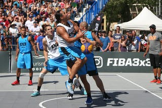 5 Michael Lieffers (CAN) - 4 Michael Linklater (CAN) - Saskatoon vs Gurabo in the FIBA 3x3 World Tour Saskatoon 2017 semi final