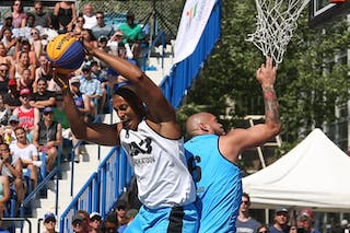 6 Nolan Brudehl (CAN) - 6 Xavier Zambrana (PUR) - Saskatoon vs Gurabo in the FIBA 3x3 World Tour Saskatoon 2017 semi final