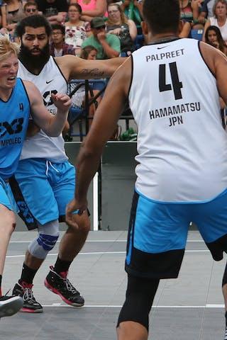 4 Palpreet Singh Brar (JPN) - 4 Vojtěch Rudický (CZE) - 5 Ondřej Dygrýn (CZE) - Hamamatsu vs Humpalec at FIBA 3x3 Saskatoon 2017