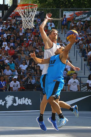 7 Blaz Cresnar (SLO) - 4 Michael Linklater (CAN) - Ljublijana vs Saskatoon in the FIBA 3x3 World Tour Saskatoon 2017 final