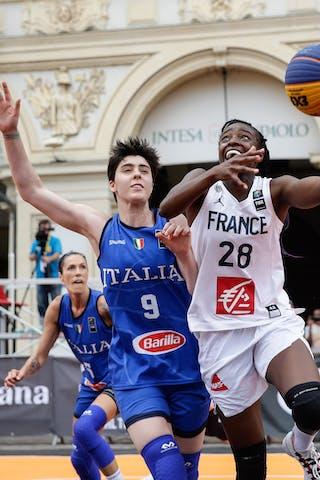 9 Giulia Ciavarella (ITA) - 28 Migna Touré (FRA)