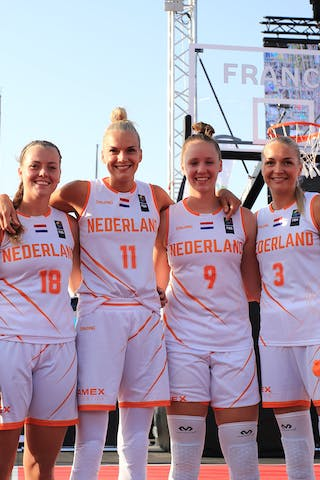 11 Jill Bettonvil (NED) - 3 Loyce Bettonvil (NED) - 18 Fleur Kuijt (NED) - 9 Esther Fokke (NED)